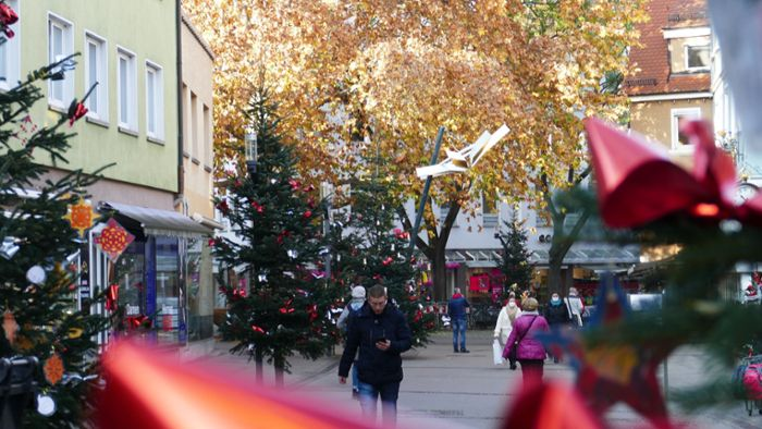 Stuttgart-Bad Cannstatt: Adventsflair in der Marktstraße